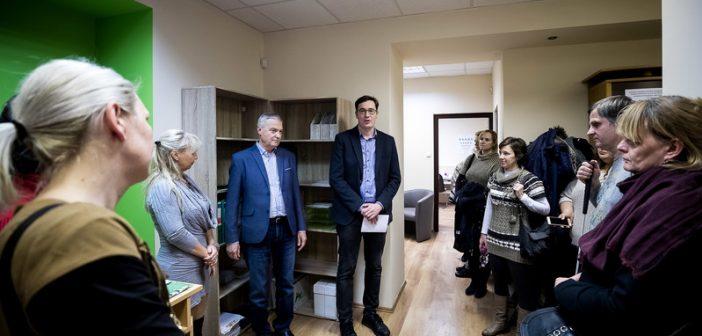 Látássérülteket rehabilitáló központ nyílt Zuglóban