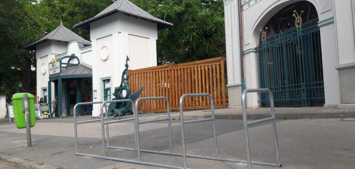 Kerékpártámaszokat helyeztek ki a kerületben
