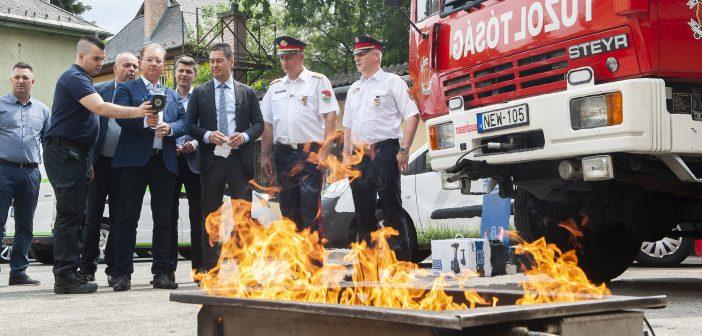 Hőkamerát kaptak a tűzoltók