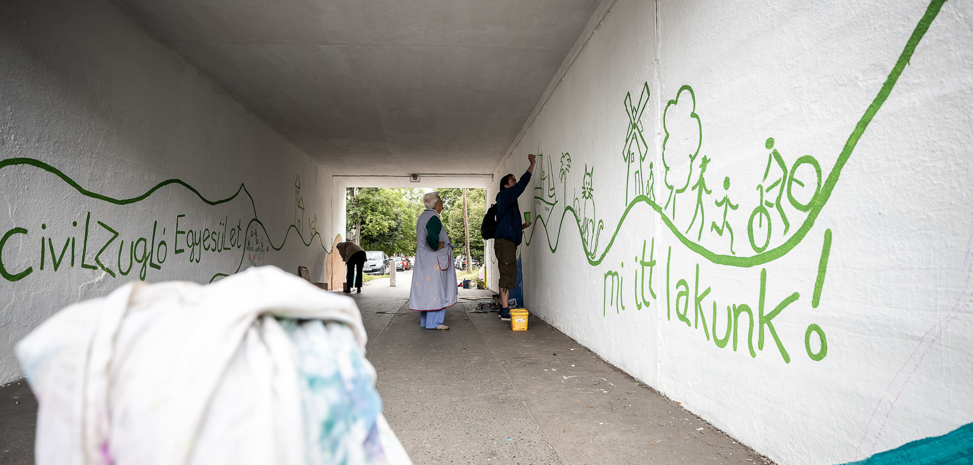 Ismét vasúti aluljárót festettek ki a civilek
