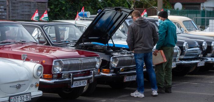Ezerötszázan nézték meg a 29-es Chryslert a Bosnyákon