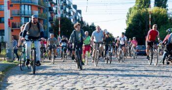 Kerékpárosok túráznak
